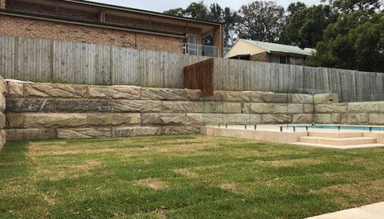 sandstone_logs_wall_2
