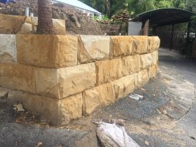 sandstone_logs_wall_4