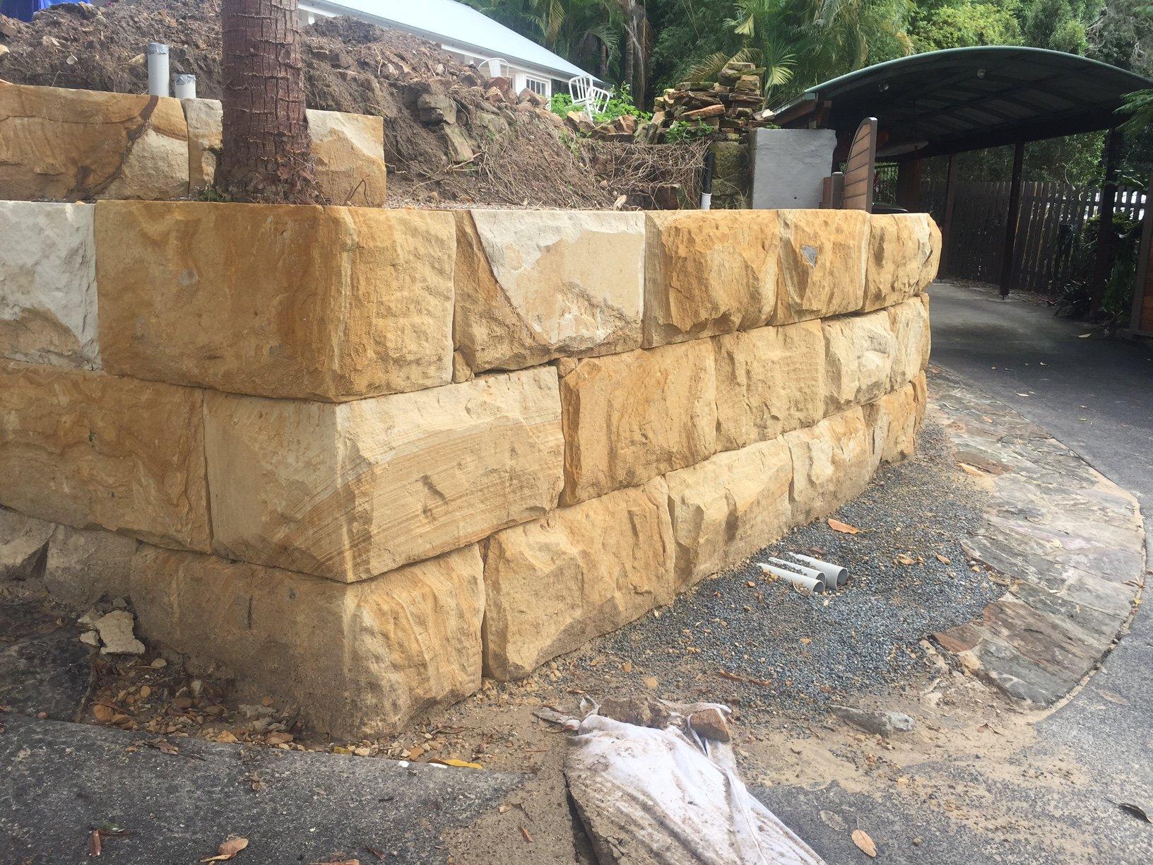 sandstone logs